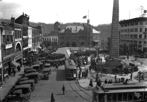 Monument or Zebulon B. Vance in Downtown Asheville, North Carolina 1954